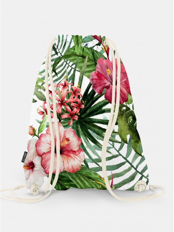 Practical bag with trendy print.